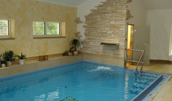 pool-indoor01