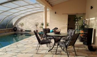 pool-indoor04